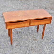 60-luvun pieni pöytä