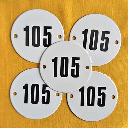 Vanha emalikyltti nro 105