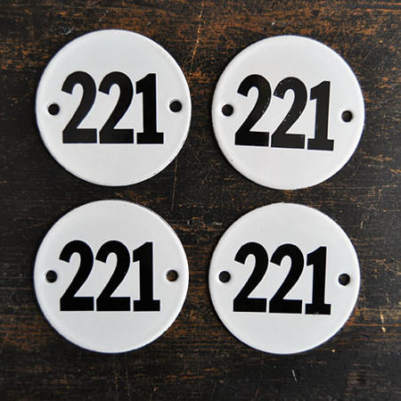 Gammal emaljskylt nr 221