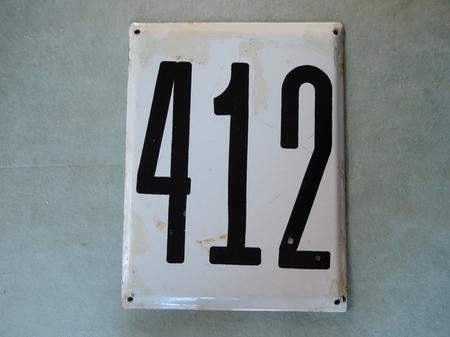 Iso vanha emalikyltti numero 412