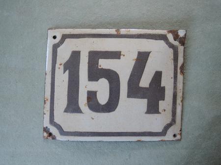 Vanha emalikyltti numero 154