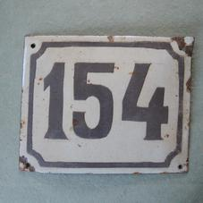 Gammal emaljskylt nummer 154