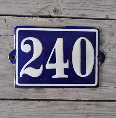 Sininen emalikyltti nro 240