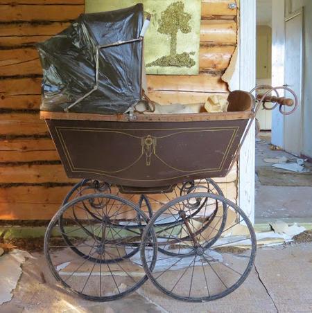Gammal barnvagn