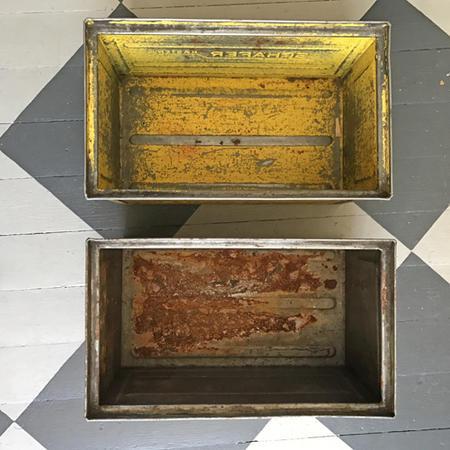 Vanha keltainen laatikko