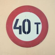 """Rund glasfiberskylt """"40T"""""""